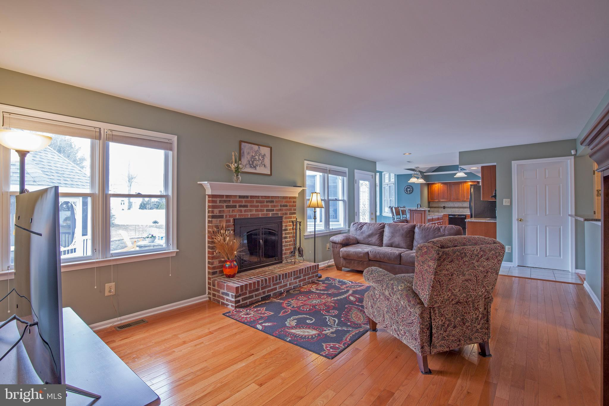 557 Vickers Way Yardley Pa 19067 The Dave And Dave Team regarding size 2048 X 1365