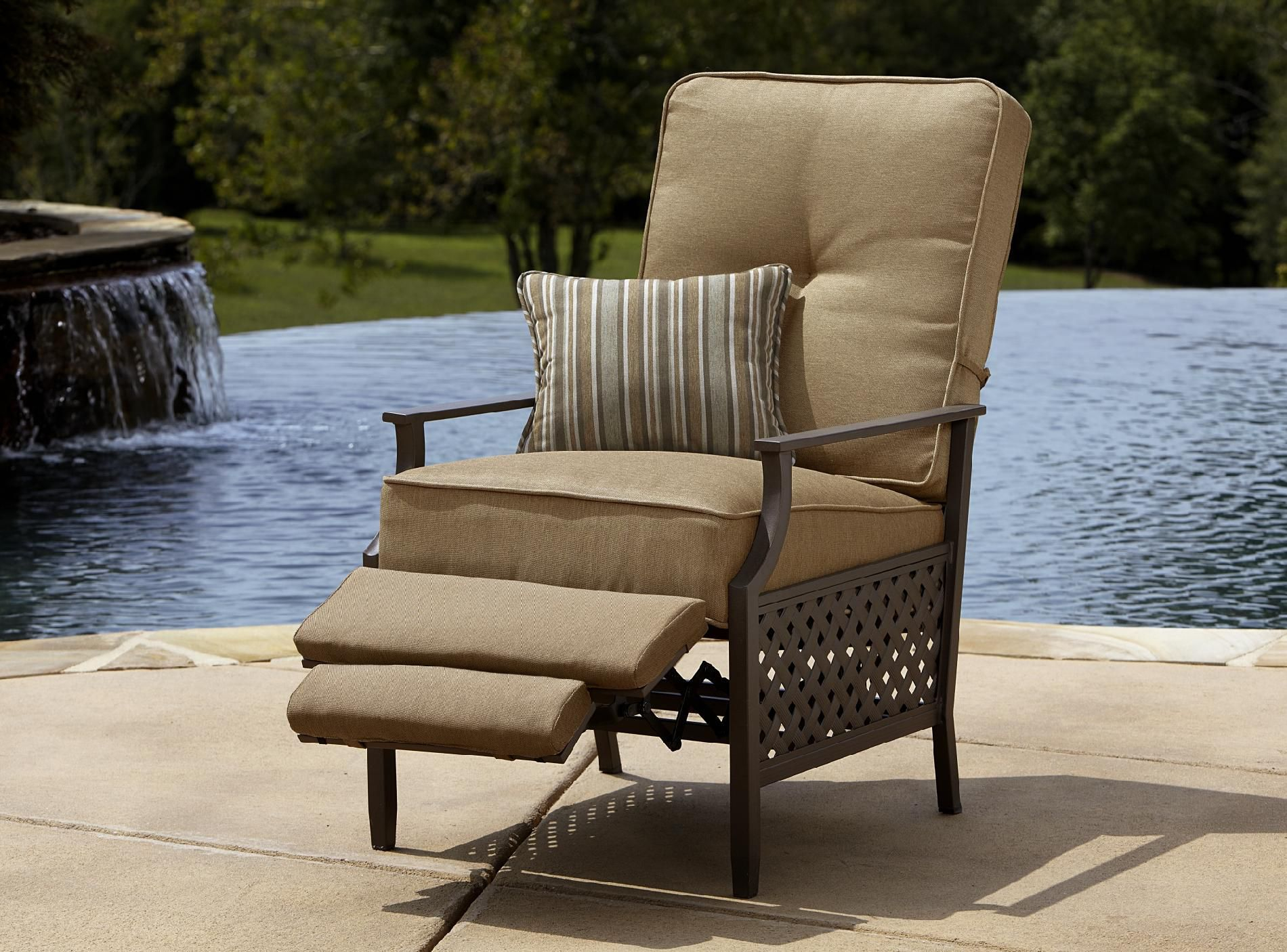 La Z Boy Outdoor Kennedy Recliner With Rust Resistant Anti pertaining to dimensions 1900 X 1406